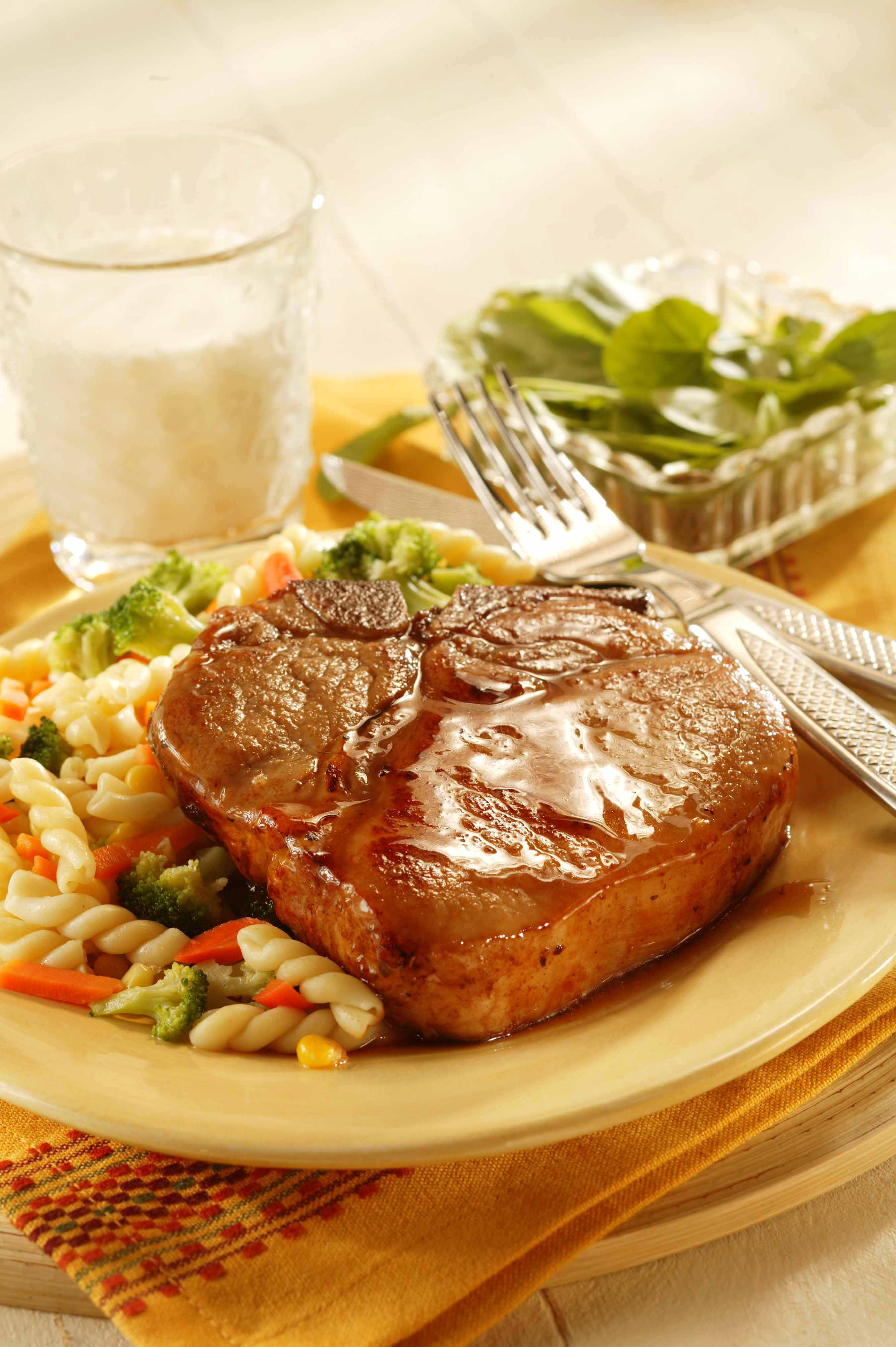 Different Ways To Cook Pork Chops - Honey glazed pork chops
