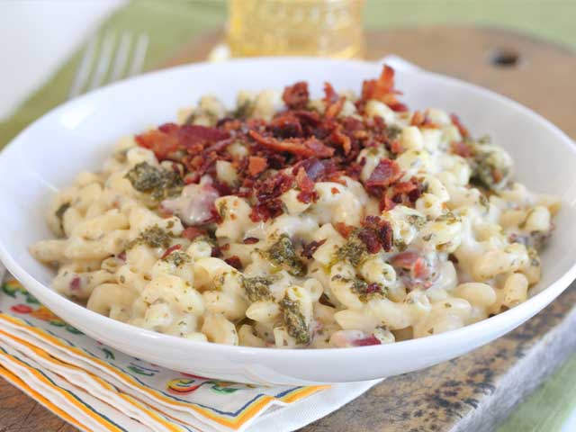 Bacon Pesto Mac & Cheese